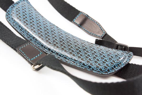 獨特的超握圓形墊有記憶海綿保證無與倫比的舒適,安全性和耐久性